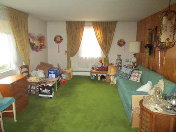 whitman family room before